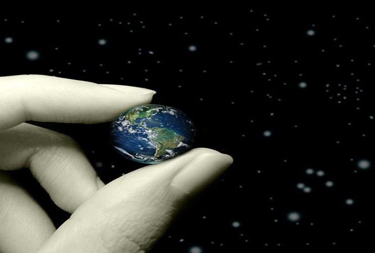 دنیای حقیر